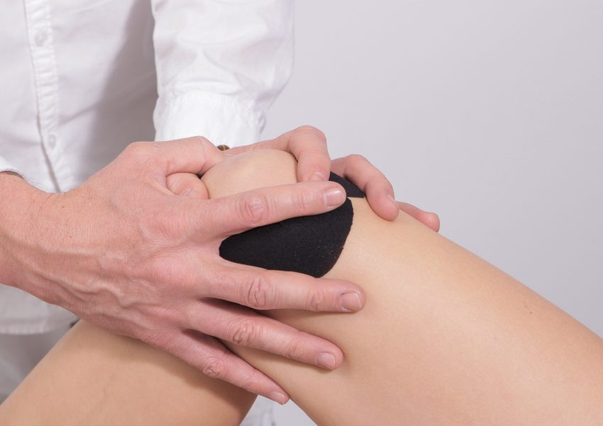 CBD Oil Against Arthritis Image of Knee Pain